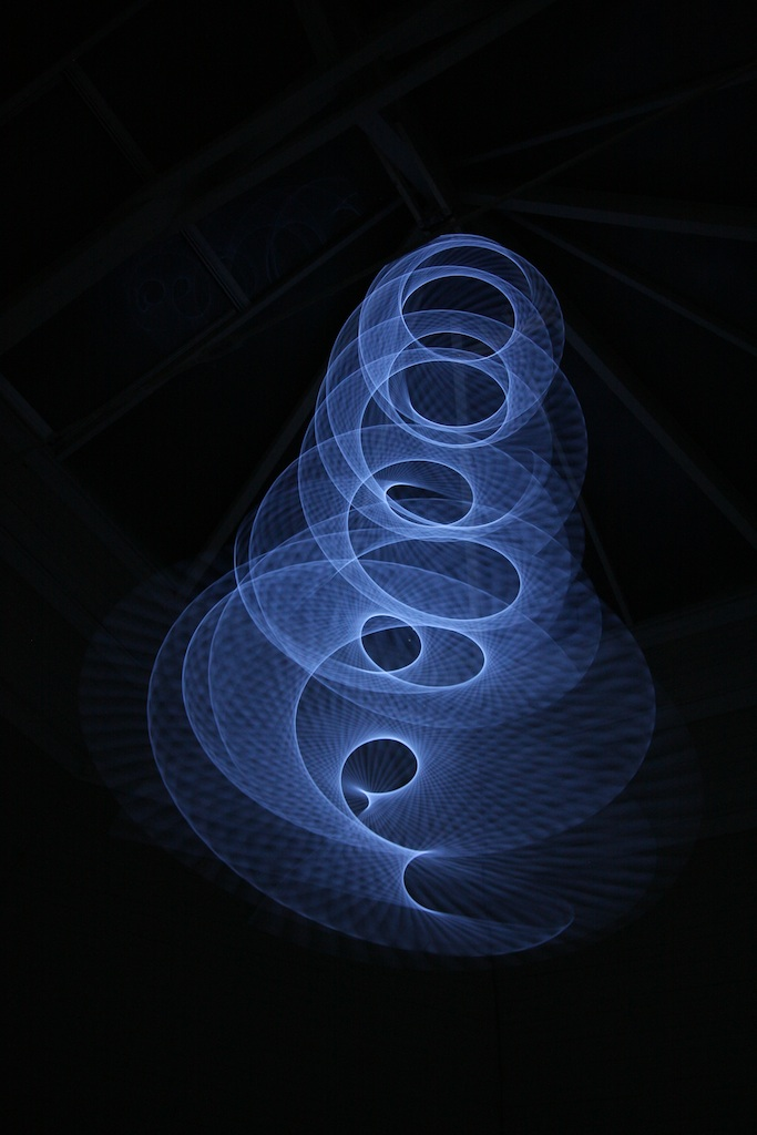 luminescent EL-wire moving in waves
